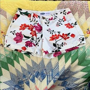 Old Navy size 0 Every Day shorts - floral pattern